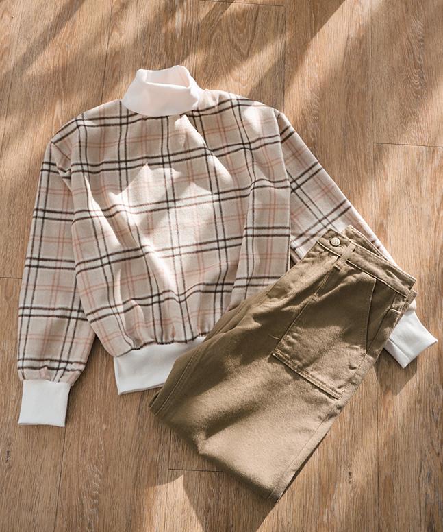 (預售9折)拼色格紋半高領長袖上衣