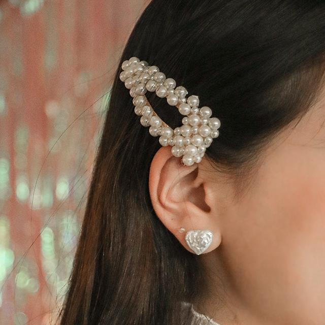 オーロラ真珠ヘアピン