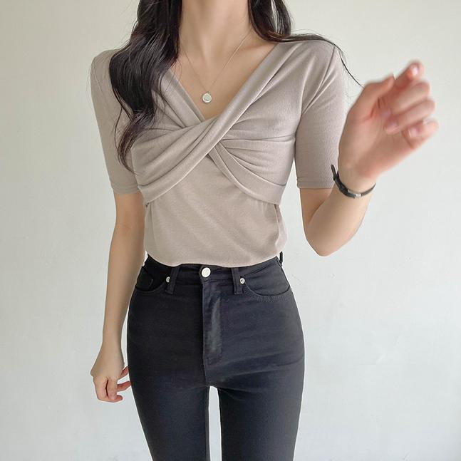 ツイストVネックスリム半袖Tシャツ